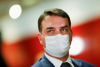 Flávio Bolsonaro na mira da CPI