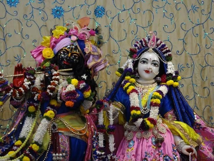 ISKCON Nigdi Deity Darshan 22 Jan 2016 (9)