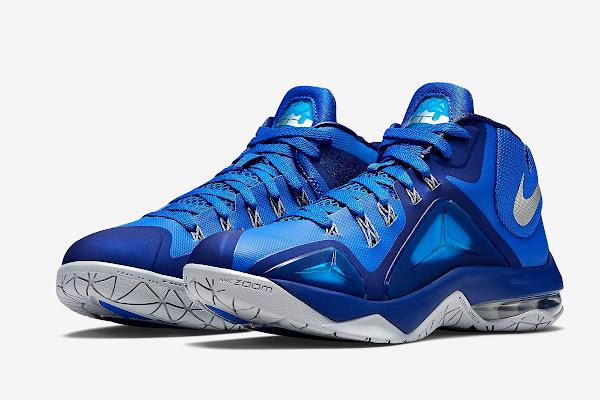 Nike Ambassador VII 7  Lyon Blue amp Metallic Silver