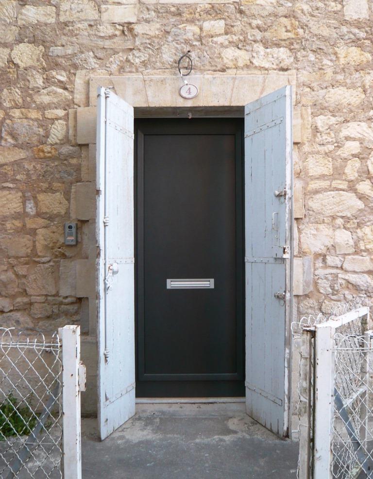 [St+Emilion+doors+and+windows7%5B4%5D]