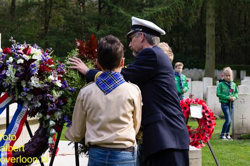 herdenkingsdienst  en een stille tocht naar het Engelse kerkhof 12-10-2014 (71).jpg
