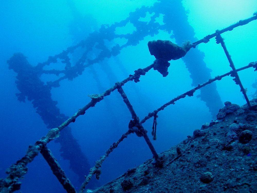 truk-lagoon-wreck-1
