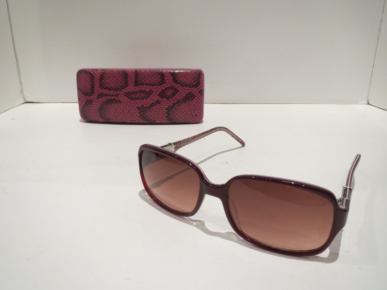 Robert Marc Red Shades