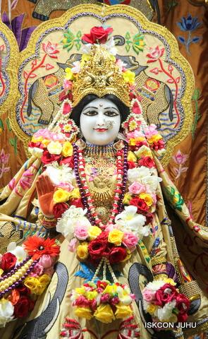 ISKCON Juhu Sringar Deity Darshan on 5th Sep 2016 (5)