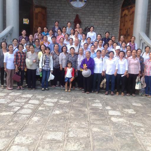 Hội các Bà Mẹ Công Giáo thuộc Giáo Hat Diên Khánh tổ chức hành hương.