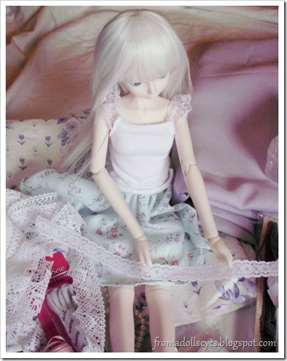 Ball Jointed Doll Admiring White Lace