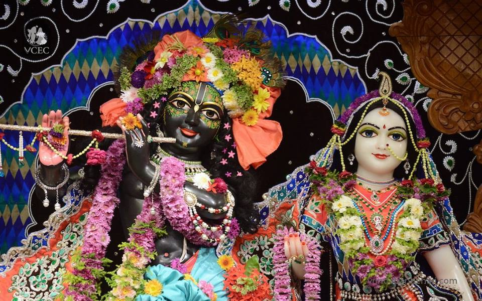 ISKCON GEV Deity Darshan 15 Dec 2015 (8)