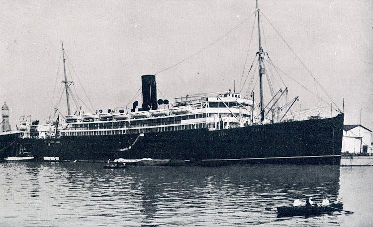 5-Los buques en su estado original tenían los puentes descubiertos. De la revista La Vida Marítima. Año 1913.jpg
