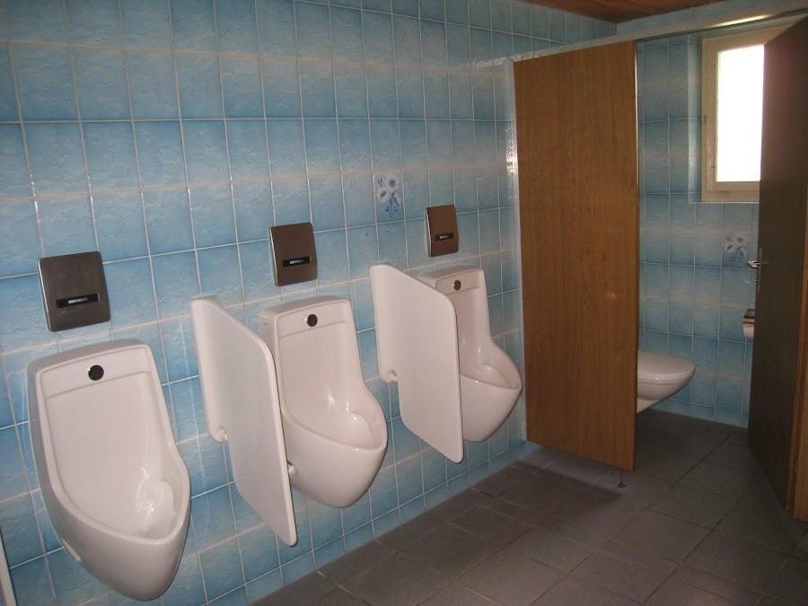 Herren-WC vorher