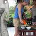 die balinesische Sauce wird im Mörser zubereitet
