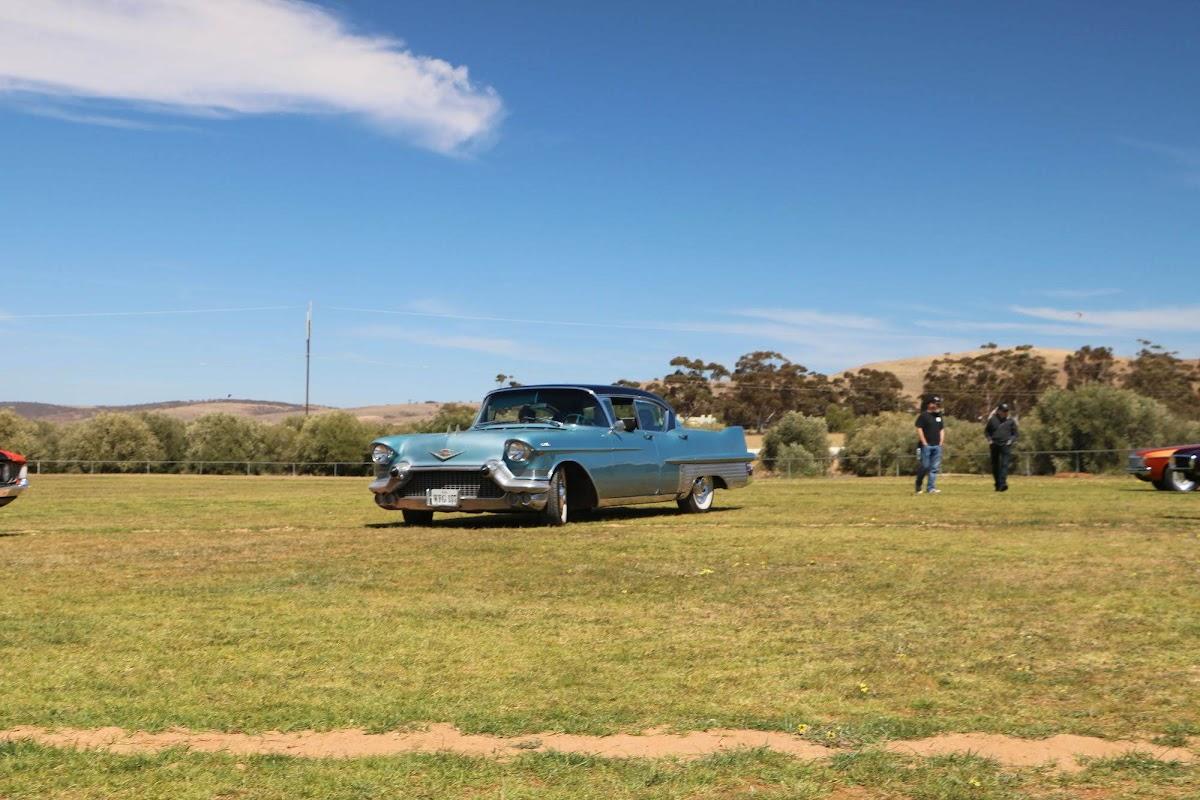 Cadillac (01).jpg