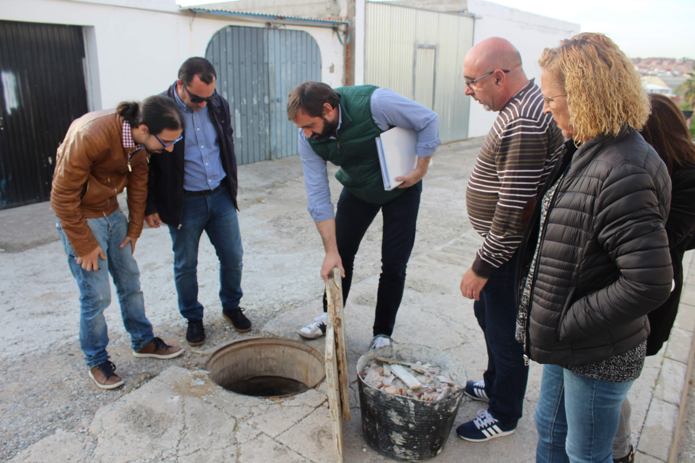 Adelante Algeciras exige una intervención urgente en La Juliana ante el mal estado de sus calles