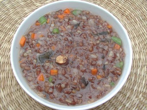 Cháo gạo lứt hạt sen