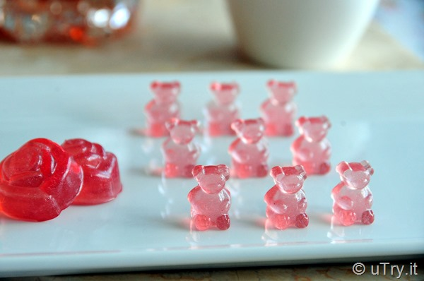 How to Make Rosé Gummy Bears.  They are yummy, shiny, and oh so glamourous! Check out the video tutorial here: http://YouTube.uTry.it   and Recipe here:  http://uTry.it