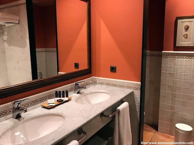 baño-torremirona-hotel-relais.JPG