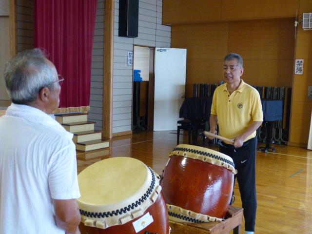 暑い中、太鼓の練習をしました