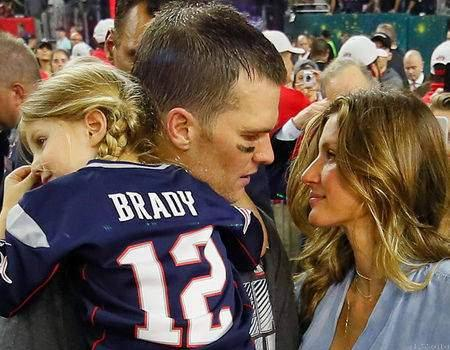 Tom Brady Hangs up☎ on Radio Hosts📻 in His Daughter's Defense
