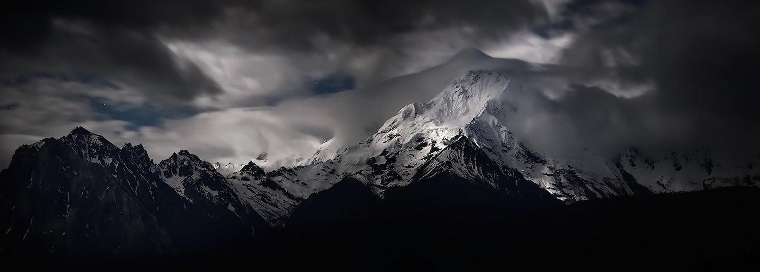 Meili Snow Mountain - Shangri-La by Furiousxr1