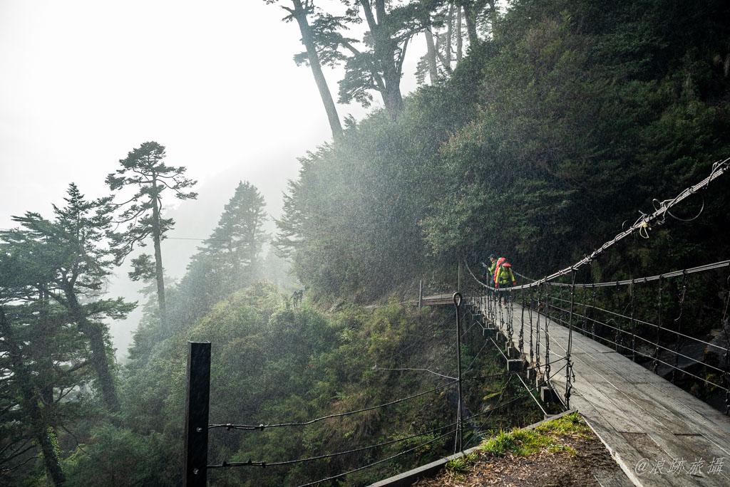 能高瀑布吊橋