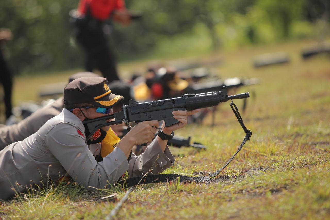 Harkatpuan Anggota Polres Klaten Latihan Menembak
