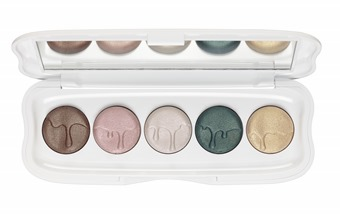 ess_little_x-mas_factory_eyeshadow_palette_opend_1469714530