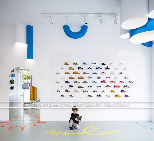 thiết kế shop giày dép trẻ Little Stories 2