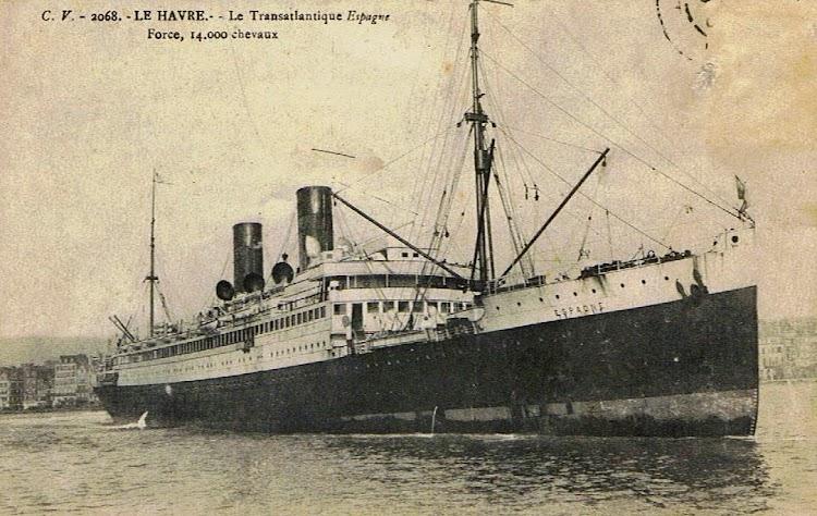 2- Dejando Le Havre al iniciar un viaje trasatlantico indeterminado. Colección Arturo Paniagua.tif