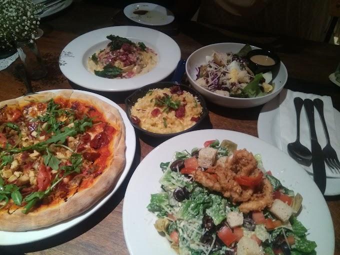 Sedapnya Makan Di Italiannies,  The Curve
