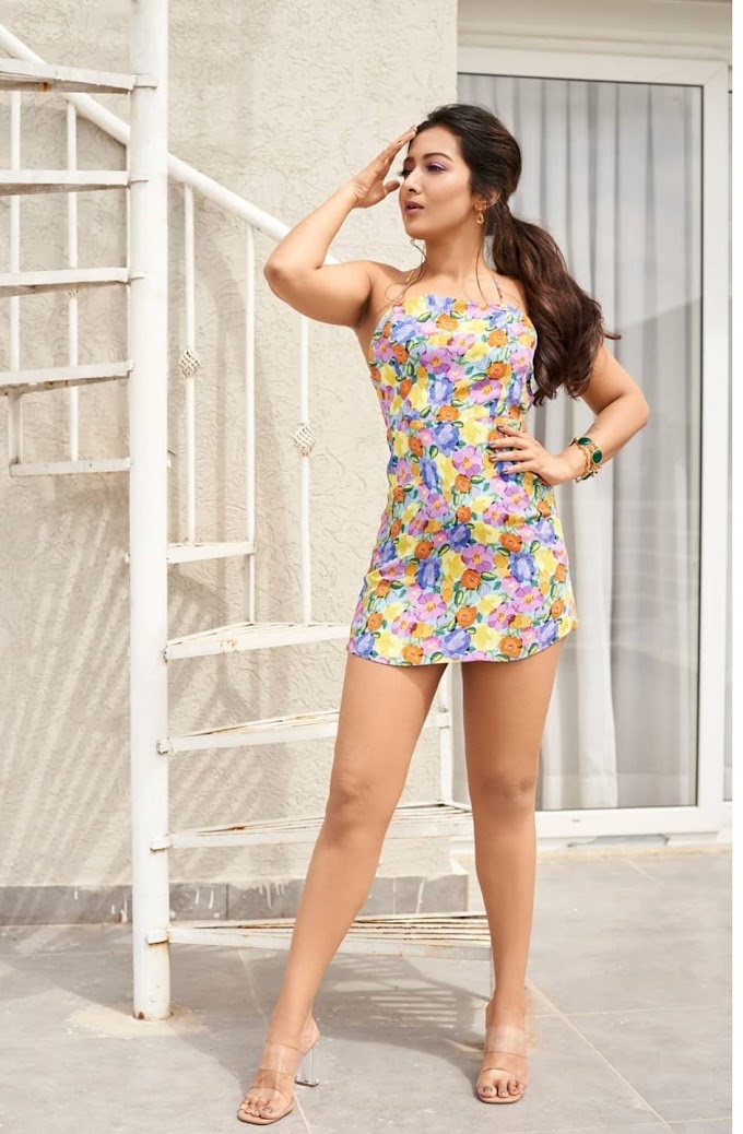 Catherine Tresa Hot  Personifies beauty with sizzling sunkissed pictures