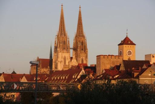 https://lh3.googleusercontent.com/-47N7P0jcQSg/Ti7olxE9b-I/AAAAAAAAKr8/xqeuNp3T_0E/Regensburg-Spaziergang-Vorabend-Ironman-IMG_6458.JPG