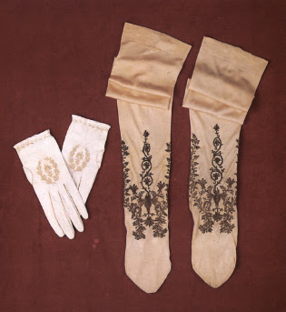 Перчатки и чулки