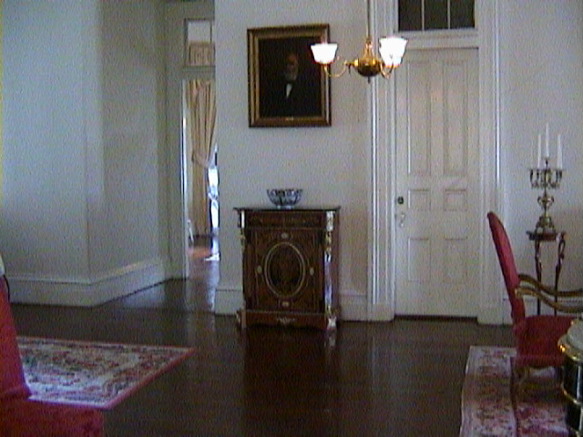 0570Inside_a_Southern_Mansion_-_New_Orleans