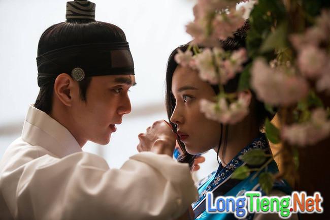 """""""Mặt Nạ Quân Chủ"""": Chưa kịp gặp Kim So Hyun, ai nấy đã phát bực với nữ phụ! - Ảnh 2."""
