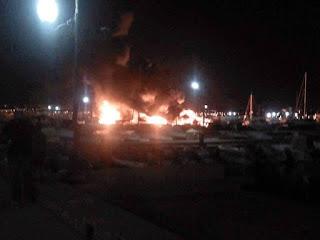 Vidéo: Un incendie ravage plusieurs bateaux à Sidi Fredj