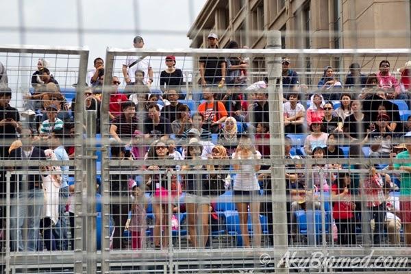 penonton kereta formula elektrik