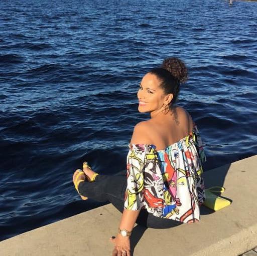 Denise Acevedo Photo 20