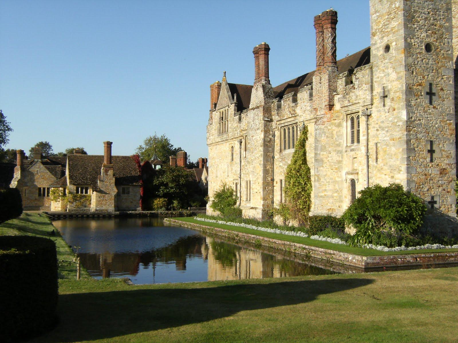 DSCF1997 Hever Castle and Tudor-style village