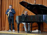 04 Buják Andor saxafonon, Buhus Zoltán zongorán játszott.jpg