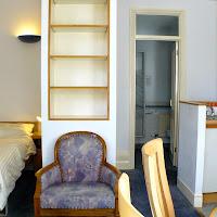 Room C(2)