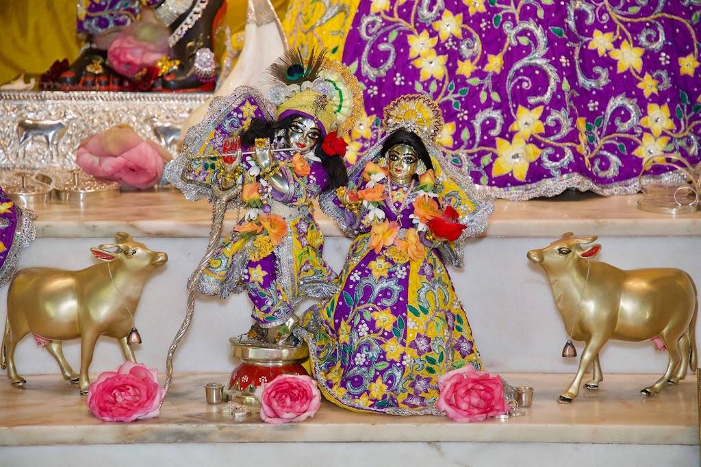 ISKCON New Govardhana Deity Darshan 22 Dec 2016 (37)