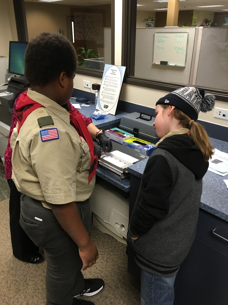 Fingerprinting Merit Badge - February 2016 - IMG_0878.JPG