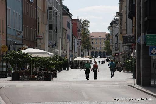 https://lh3.googleusercontent.com/-4BuM2aOSUBg/TmybiR-dHoI/AAAAAAAALMA/WoUtQZ-0yNc/s512/Stadtspaziergang-und-Roemermauer-30.8.2009-IMG_2231.JPG