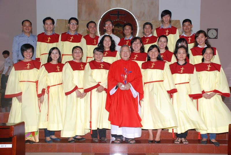 Gx Phú Hòa: Ca đoàn Cecilia mừng bổn mạng