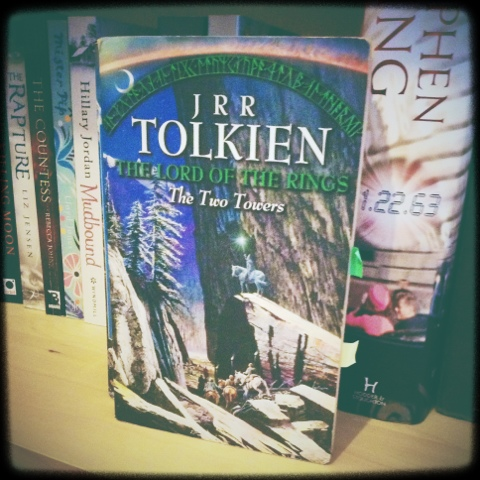 a literary analysis of the two towers by j r r tolkien