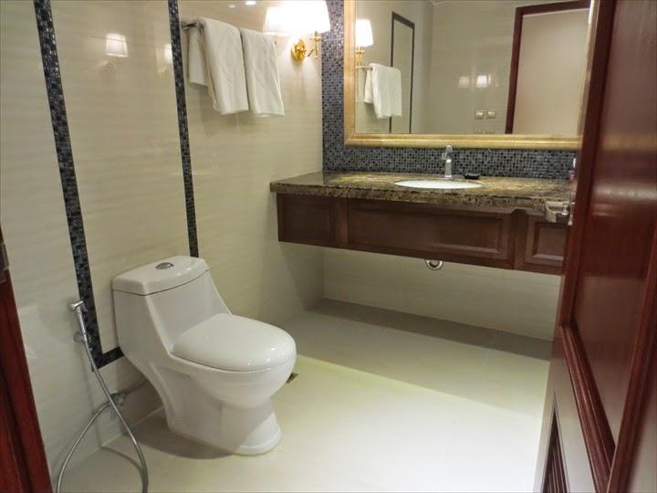 セントラルパークタワーリゾート広々トイレ