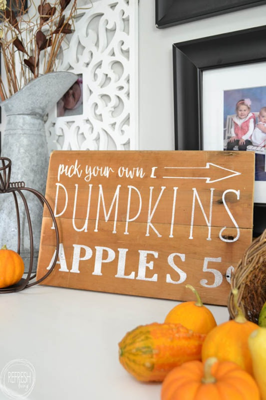diy-hand-painted-pumpkins-and-apples-fall-sign-3