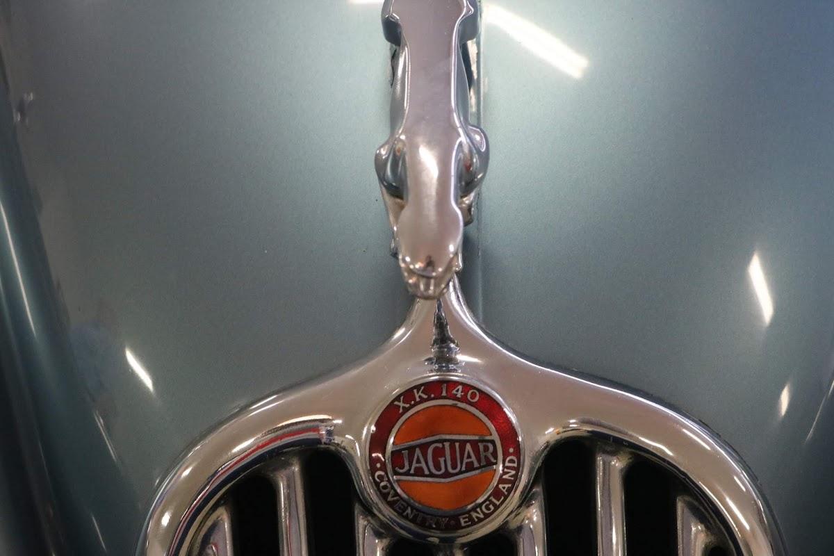 Carl_Lindner_Collection - 1953 Jaguar XK140 Coupe 05.jpg