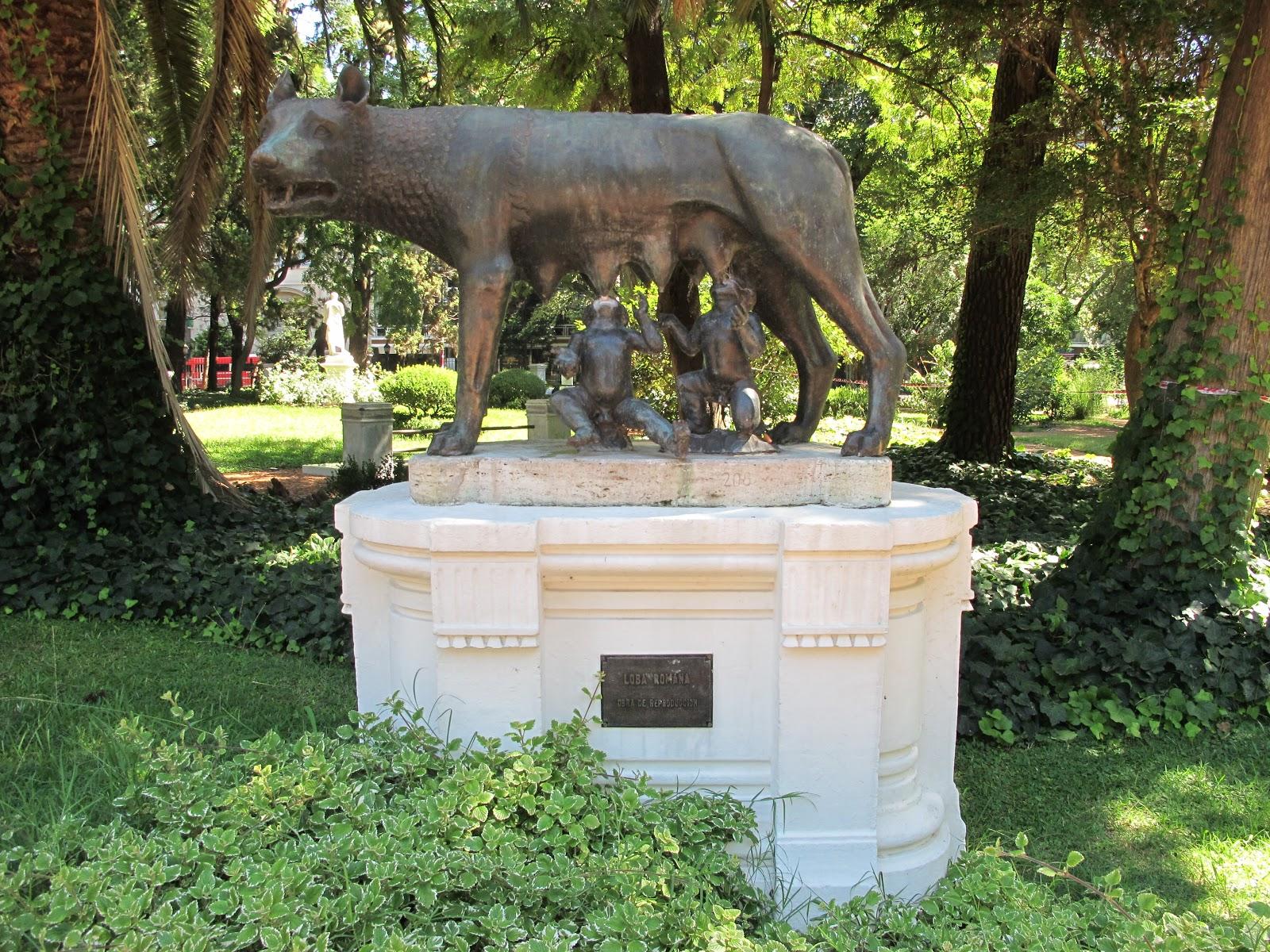 Edificios y monumentos de buenos aires marzo 2011 for Esculturas en jardines