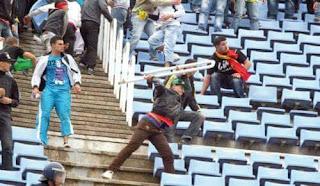 Football: Raouraoua annonce le retour des policiers dans les stades.