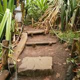 Стилизованные ступеньки и ограда с использованием каната
